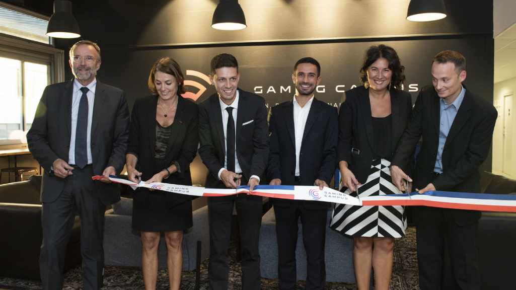 6 personnalités coupent le ruban d'inauguration du Gaming Campus à Lyon